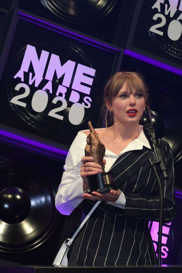 Taylor Swift 2020 : Taylor Swift – NME Awards 2020 in London-13