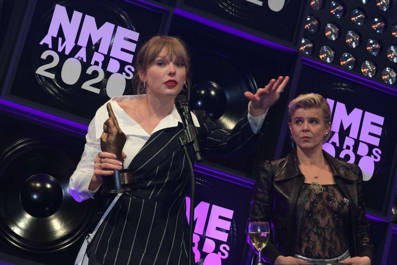 Taylor Swift 2020 : Taylor Swift – NME Awards 2020 in London-16