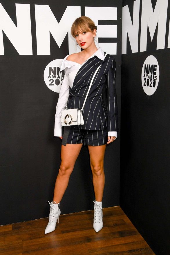 Taylor Swift 2020 : Taylor Swift – NME Awards 2020 in London-18
