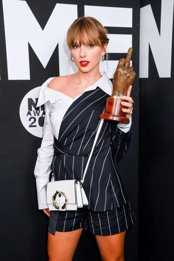 Taylor Swift 2020 : Taylor Swift – NME Awards 2020 in London-19