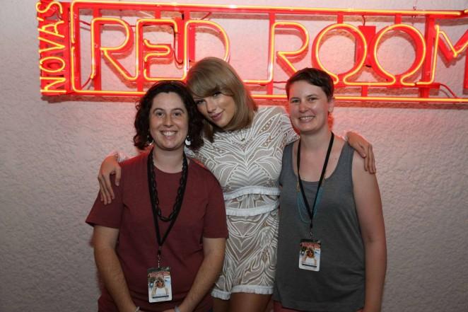 Taylor Swift: Novas Red Room Hamilton Island -14