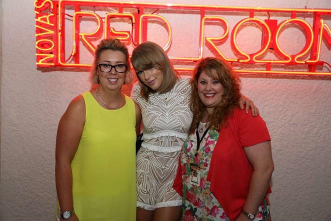 Taylor Swift: Novas Red Room Hamilton Island -20