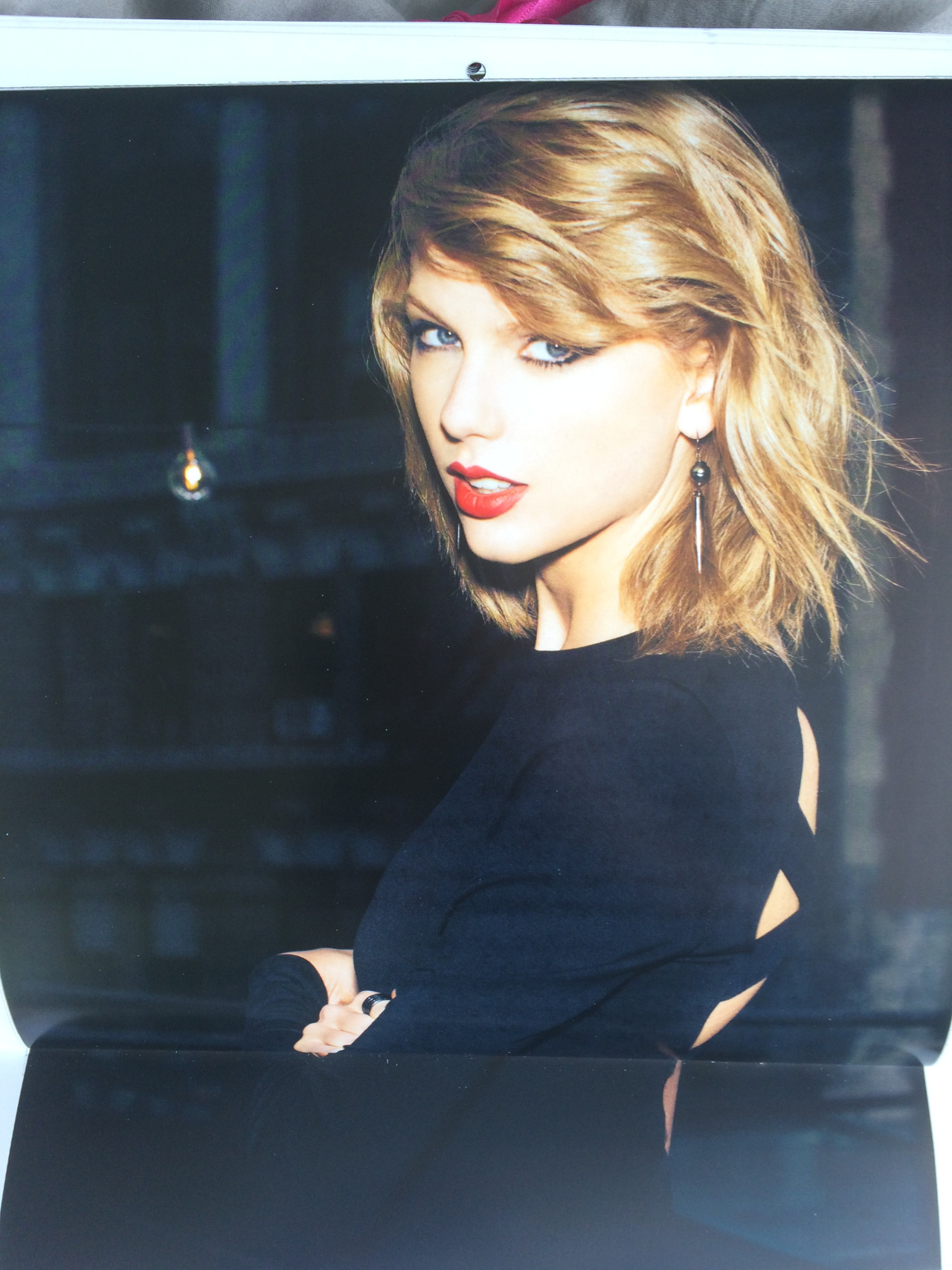 Taylor Swift: Official Calendar 2016 -09 - GotCeleb