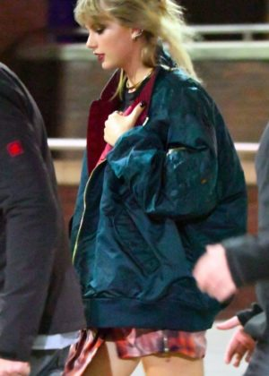 Taylor Swift on the Set of Her New Music Video in London
