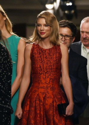 Taylor Swift - Oscar De La Renta Fashion Show 2015 in NYC