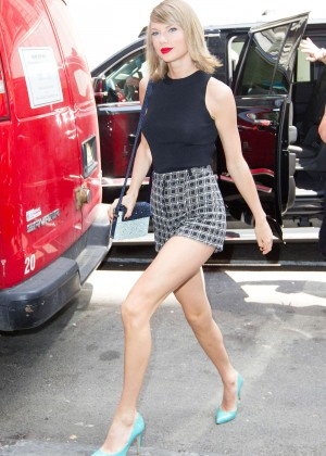 Taylor Swift Shows her Legs in Shorts Out in NYC