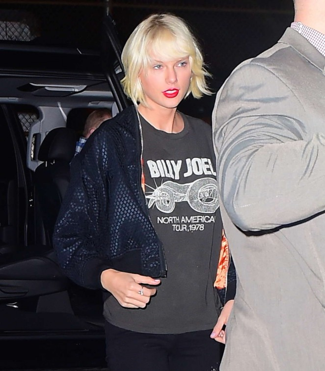Taylor Swift - Out and about in the West Village