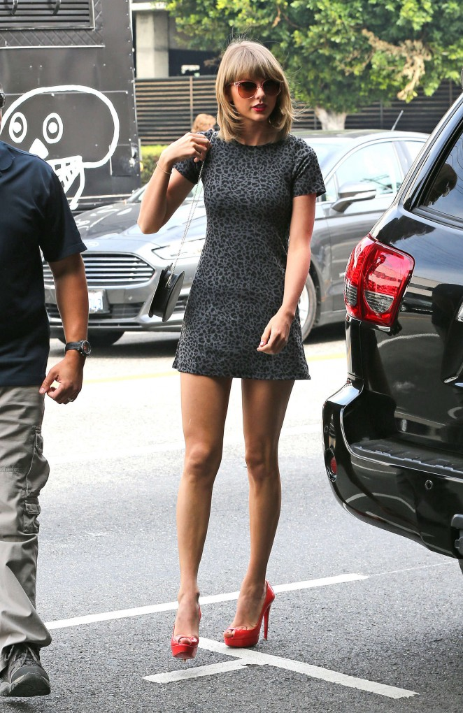 Taylor Swift – Out for lunch in LA
