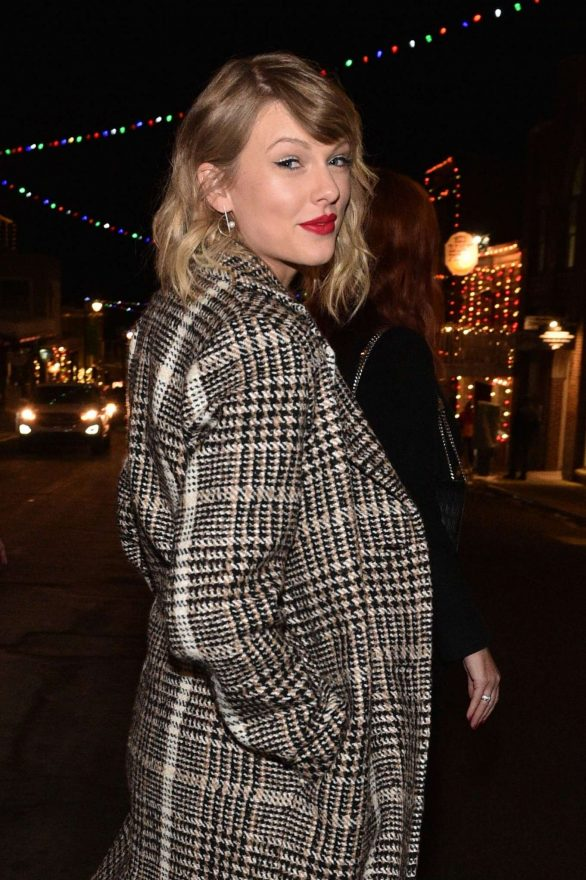 Taylor Swift - Out in Park City