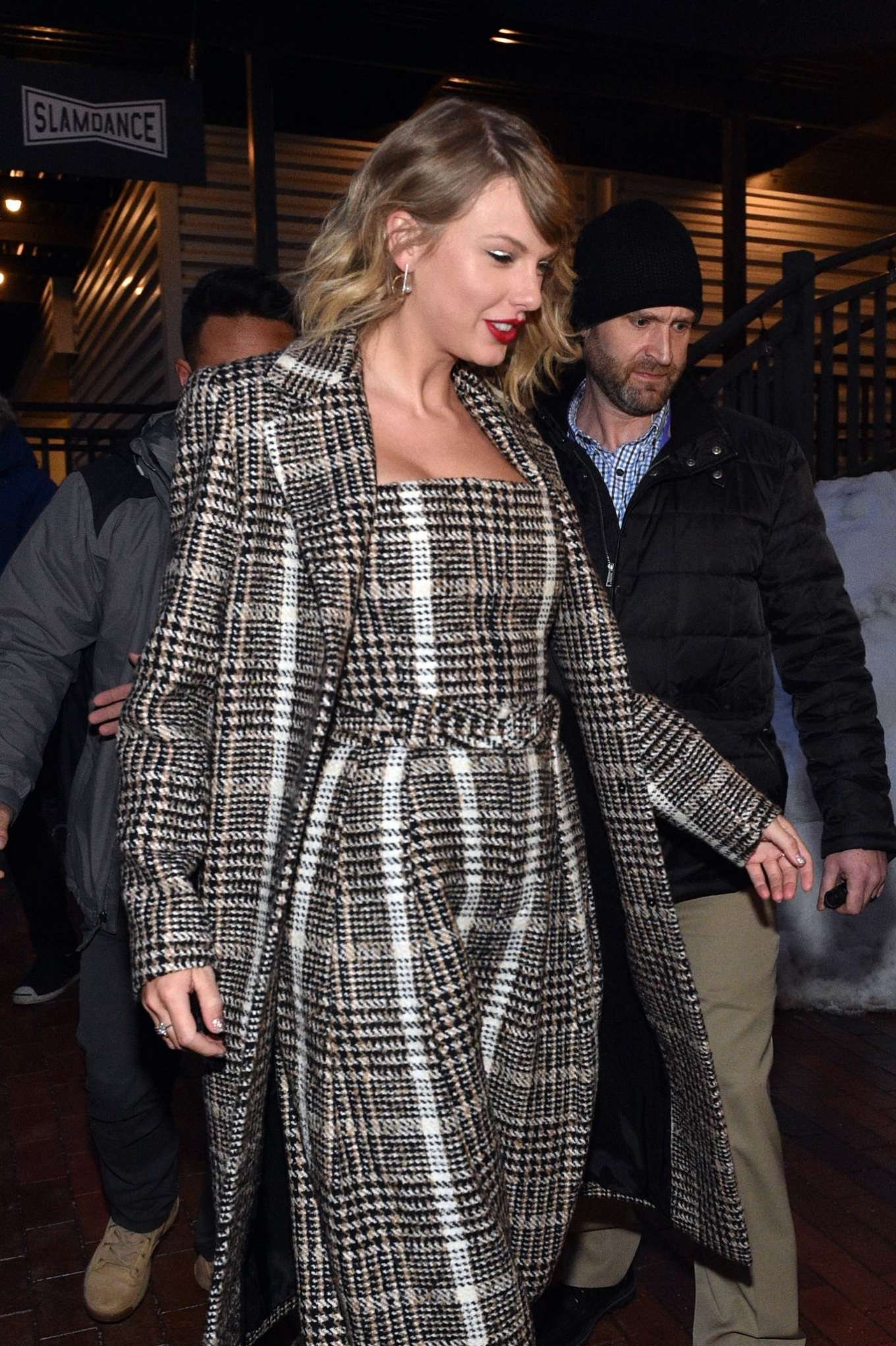 Taylor Swift 2020 : Taylor Swift – Out in Park City-10
