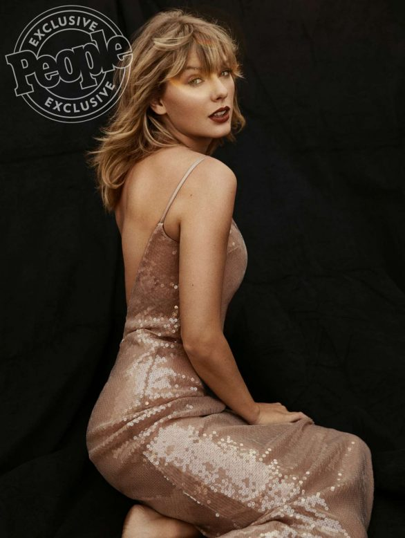 Taylor Swift - PEOPLE Magazine - People Of The Year (December 2019)