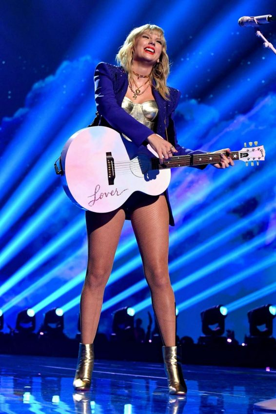 Taylor Swift - Performa live at 2019 MTV Video Music Awards