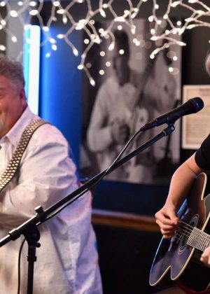 Taylor Swift - Performance at the Blue bird Cafe in Nashville