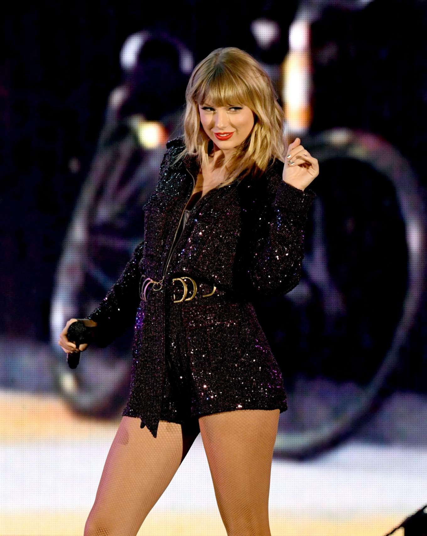 Taylor Swift 2019 : Taylor Swift – Performing at We Can Survive Concert-06