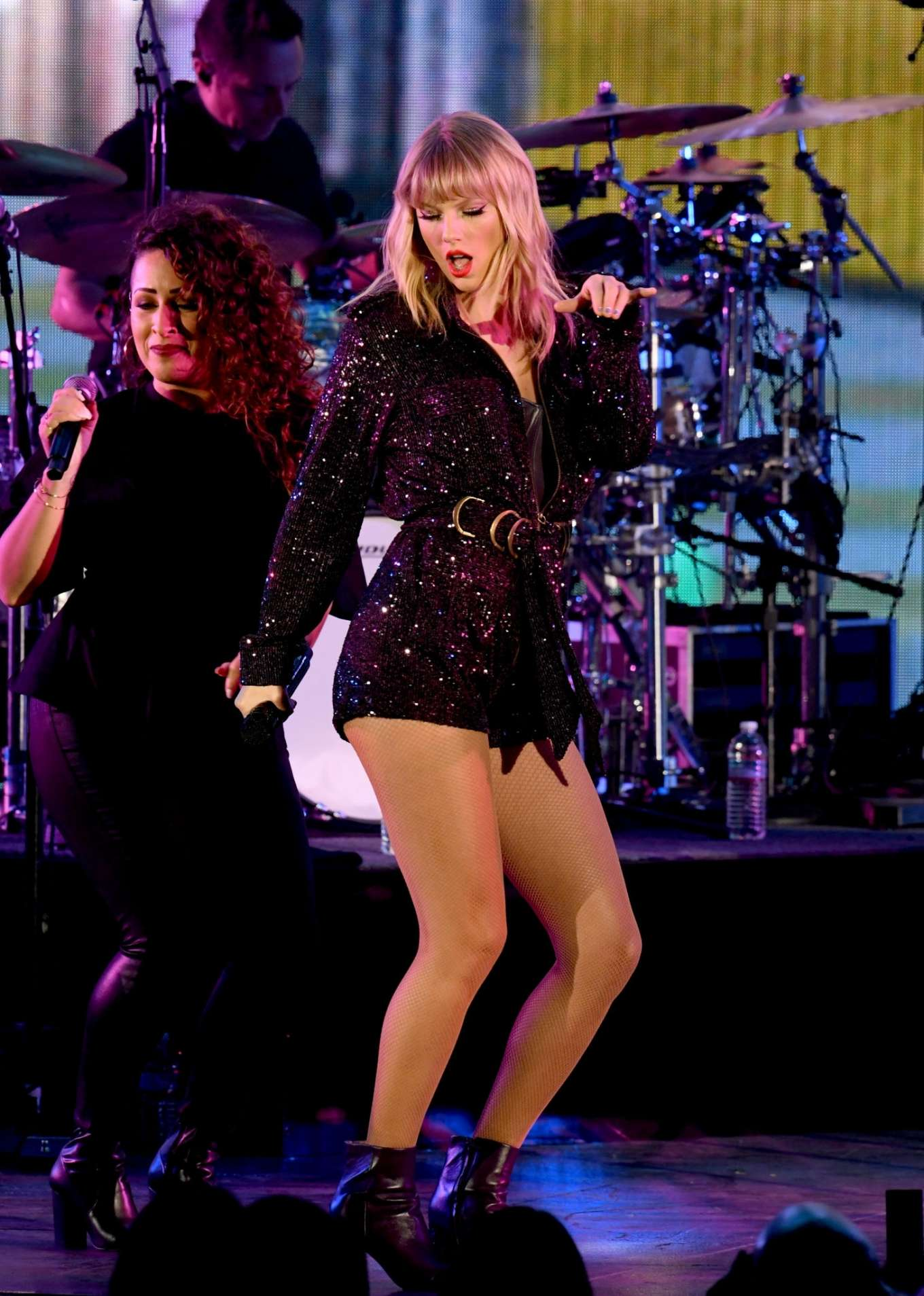 Taylor Swift 2019 : Taylor Swift – Performing at We Can Survive Concert-07