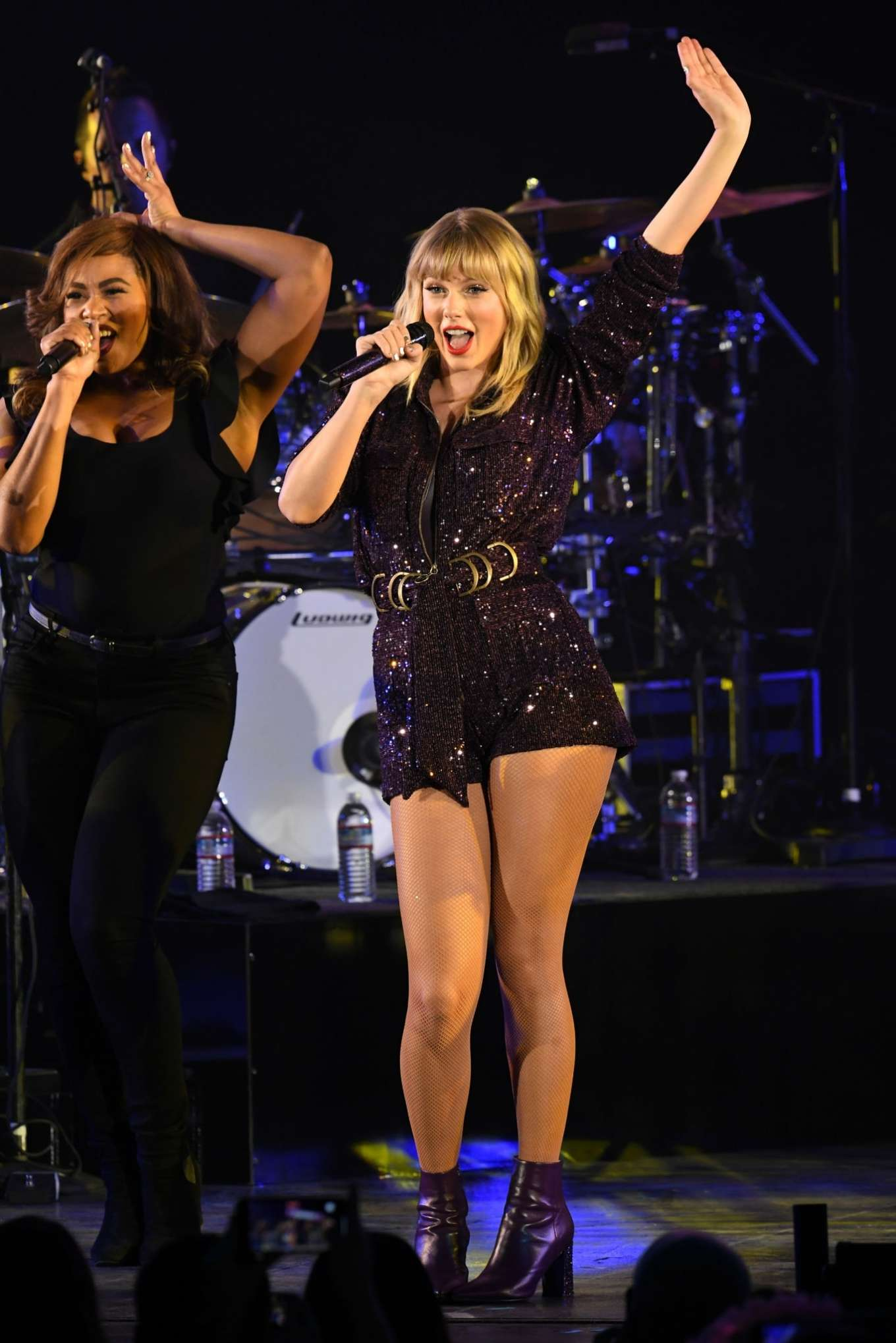 Taylor Swift 2019 : Taylor Swift – Performing at We Can Survive Concert-18