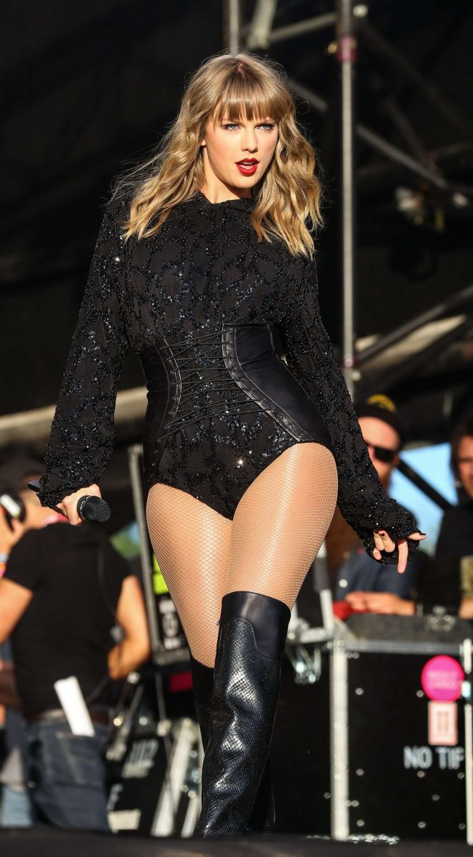 Taylor Swift - Performs at BBC Radio 1's Biggest Weekend in Swansea