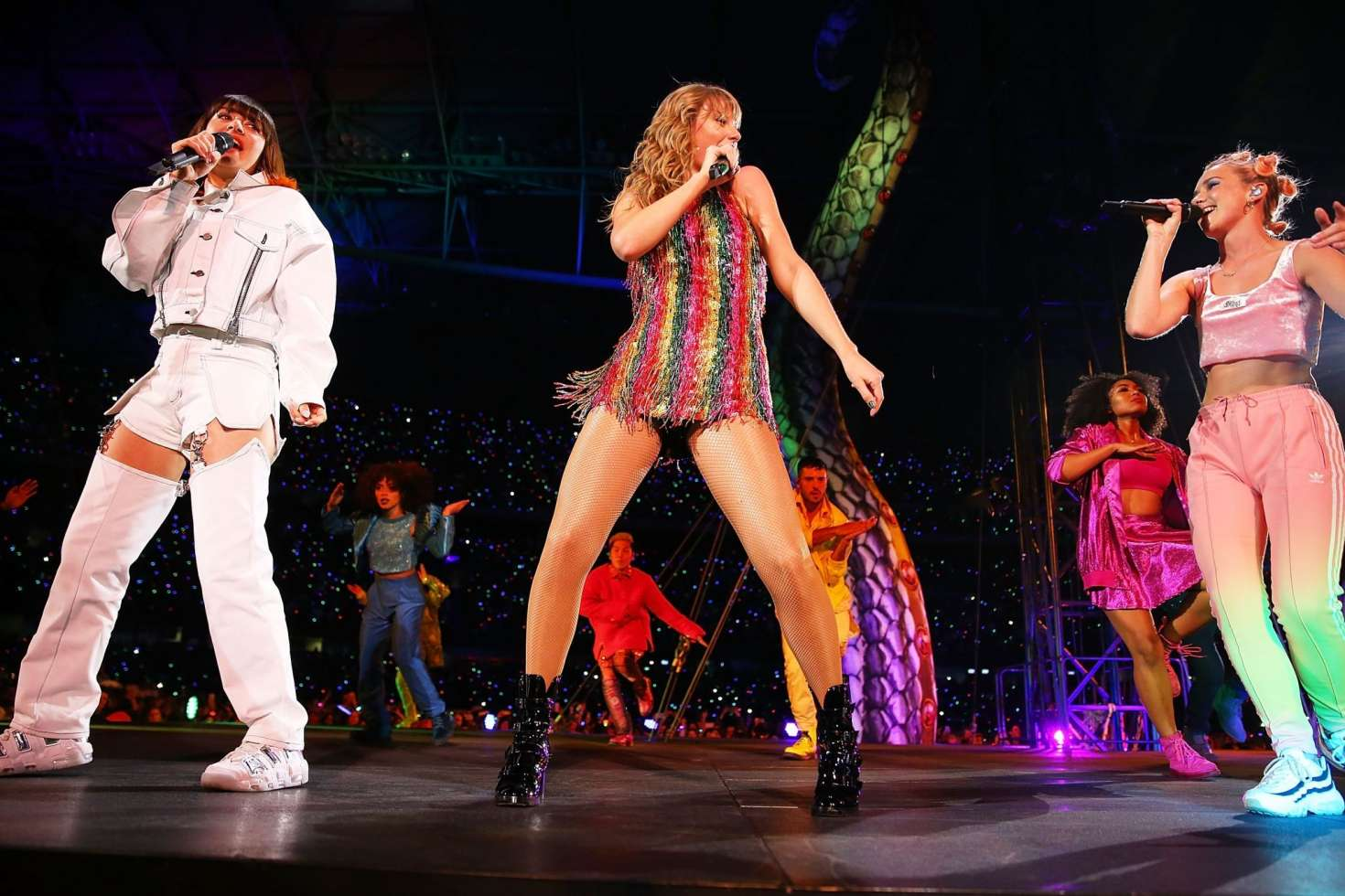 Taylor Swift - Performs at Marvel Stadium in Melbourne