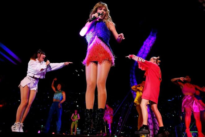 Taylor Swift - Performs at Reputation Stadium Tour in Brisbane