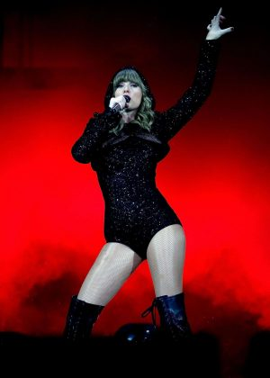 Taylor Swift - Performs at Reputation Stadium Tour in Sydney