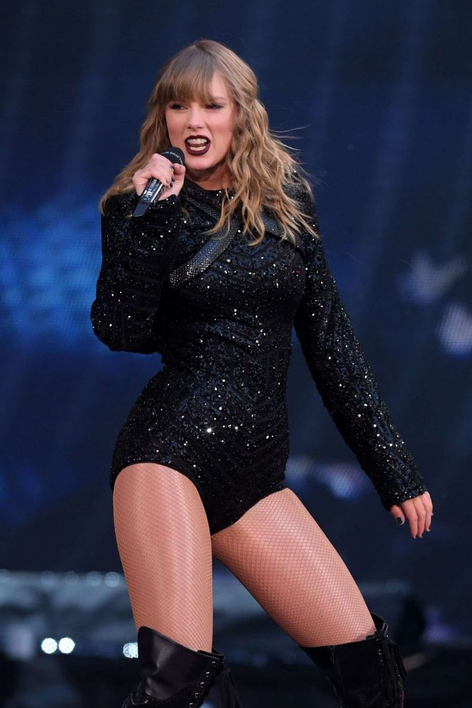 Taylor Swift – Performs at 'Reputation' Tour in London