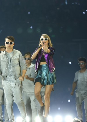 Taylor Swift Performs At The 1989 World Tour In Adelaide-07