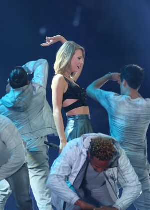 Taylor Swift Performs At The 1989 World Tour In Adelaide-08