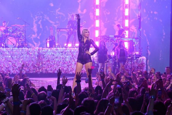 Taylor Swift 2019 : Taylor Swift – Performs at the Prime Day Concert Presented By Amazon Music-16
