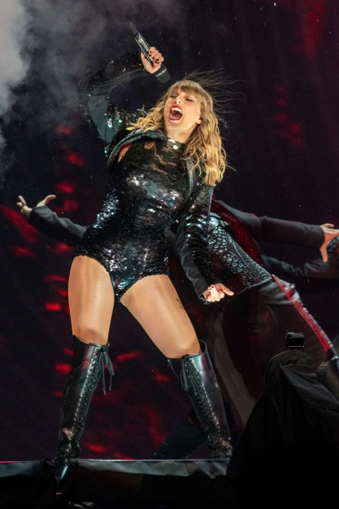Taylor Swift - Performs on her 'Reputation' Tour at CenturyLink Field in Seattle