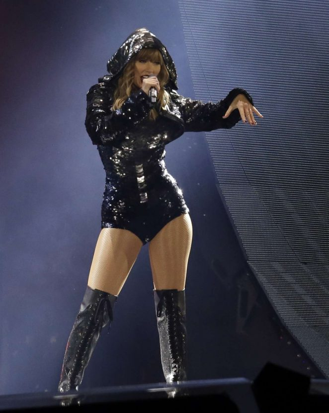 Taylor Swift: Performs on Reputation Tour in Glendale -38