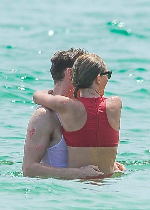 Taylor Swift in Red Bikini 2016 -34