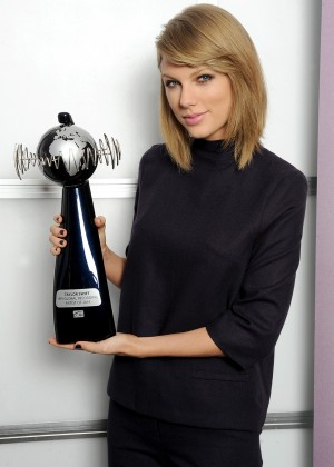 Taylor Swift - Rehearsal for The BRIT Awards 2015 in London