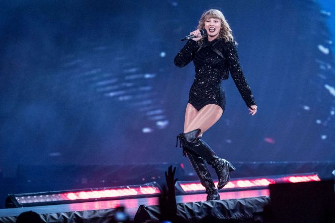 Taylor Swift - Reputation Stadium Tour in Indianapolis