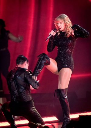 Taylor Swift - Reputation tour in Toronto