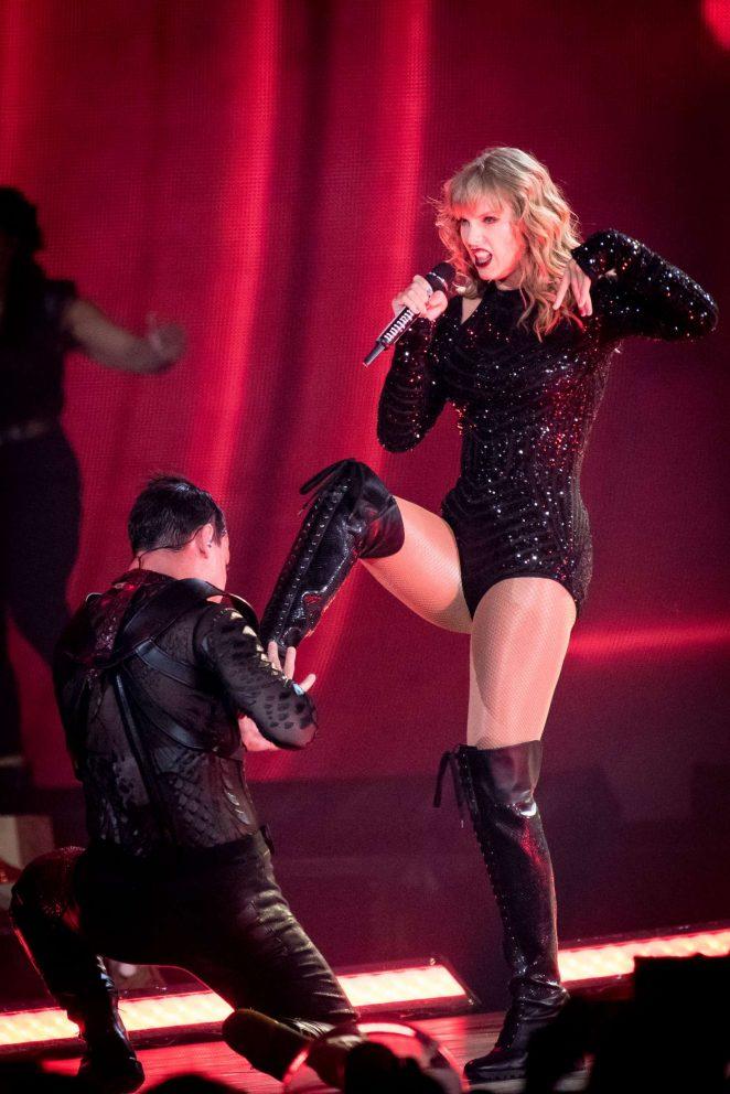 Taylor Swift - Reputation tour in Toronto