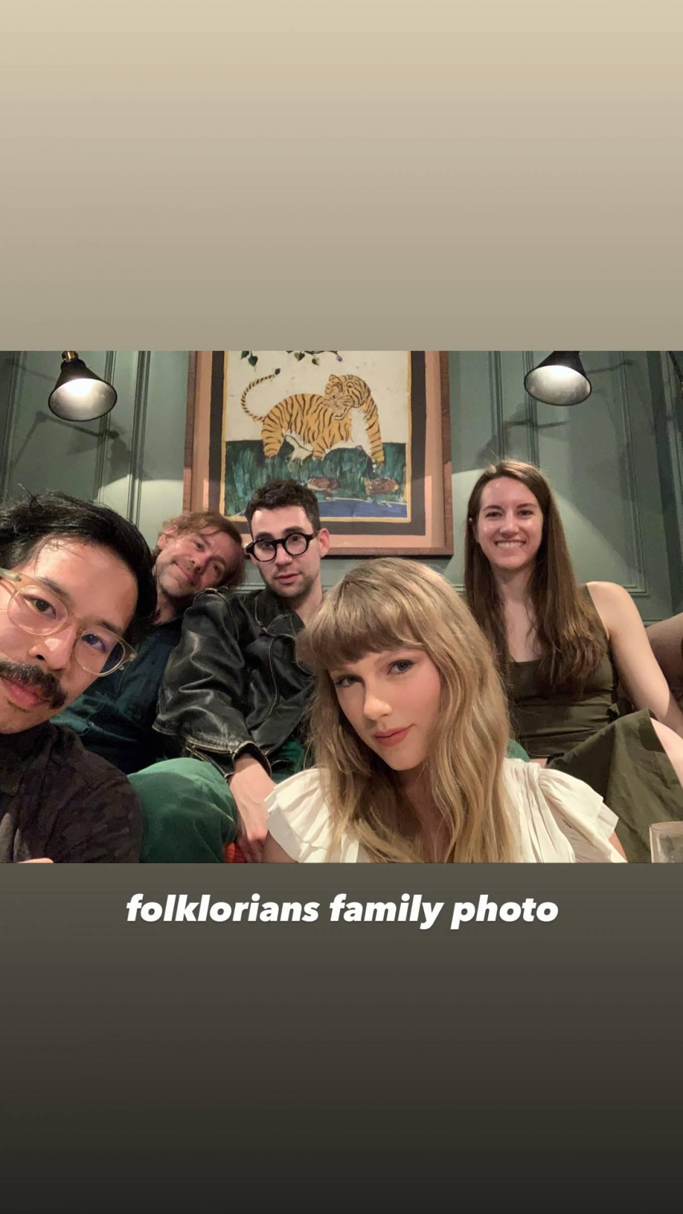 Taylor Swift 2021 : Taylor Swift – Social media-03