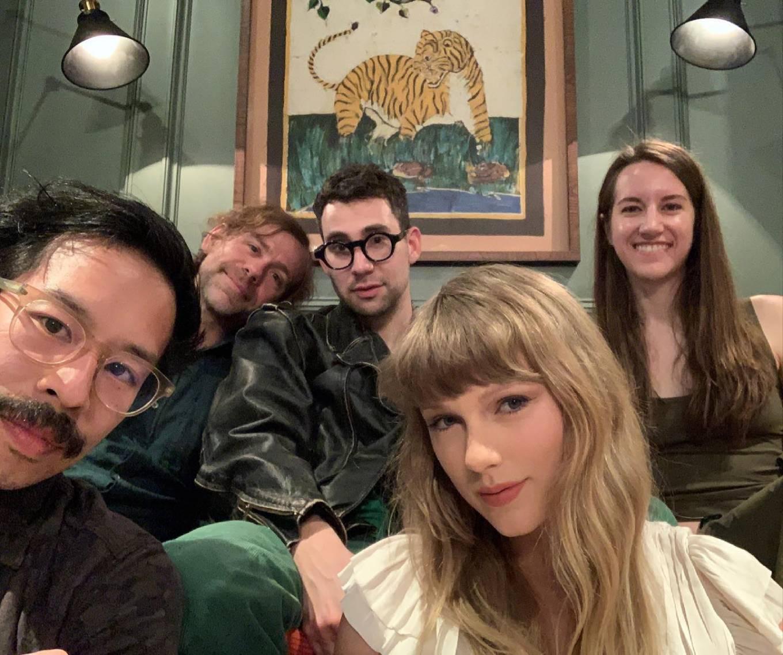 Taylor Swift 2021 : Taylor Swift – Social media-06