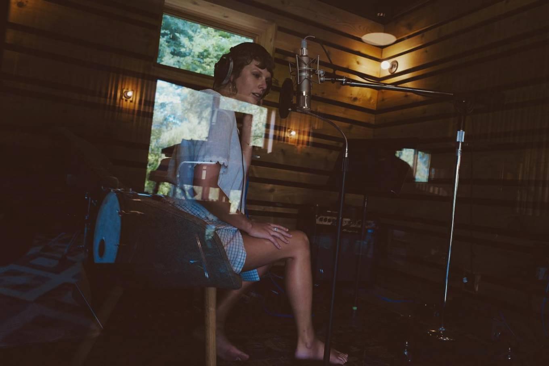 Taylor Swift 2021 : Taylor Swift – Social media-19