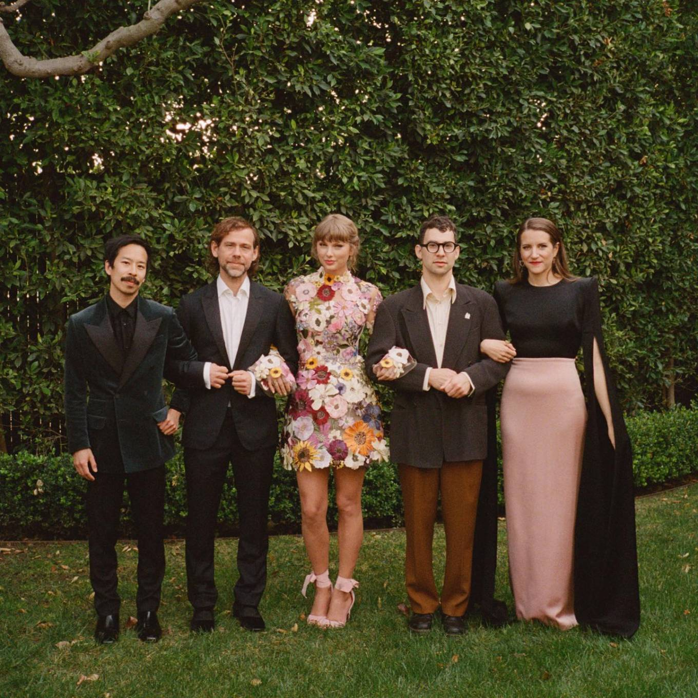 Taylor Swift 2021 : Taylor Swift – Social media-22
