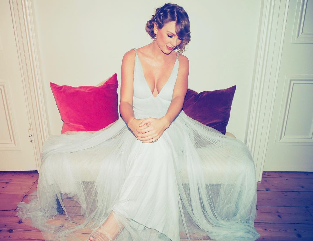 Taylor Swift 2019 : Taylor Swift – @taylorswift Personal-56