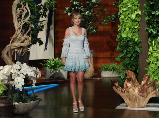 Taylor Swift - The Ellen DeGeneres Show in LA