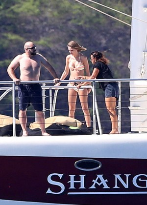 Taylor Swift in Bikini -03