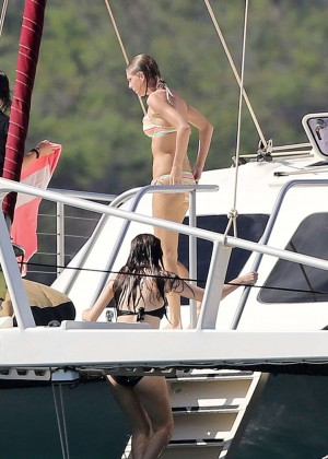 Taylor Swift in Bikini -04