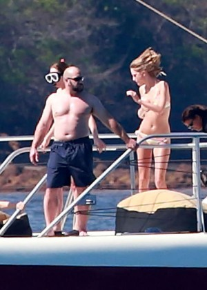Taylor Swift in Bikini -09