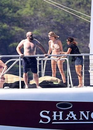 Taylor Swift in Bikini -12