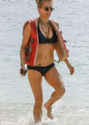 Tea Leoni in Bikini on holiday in Barbados