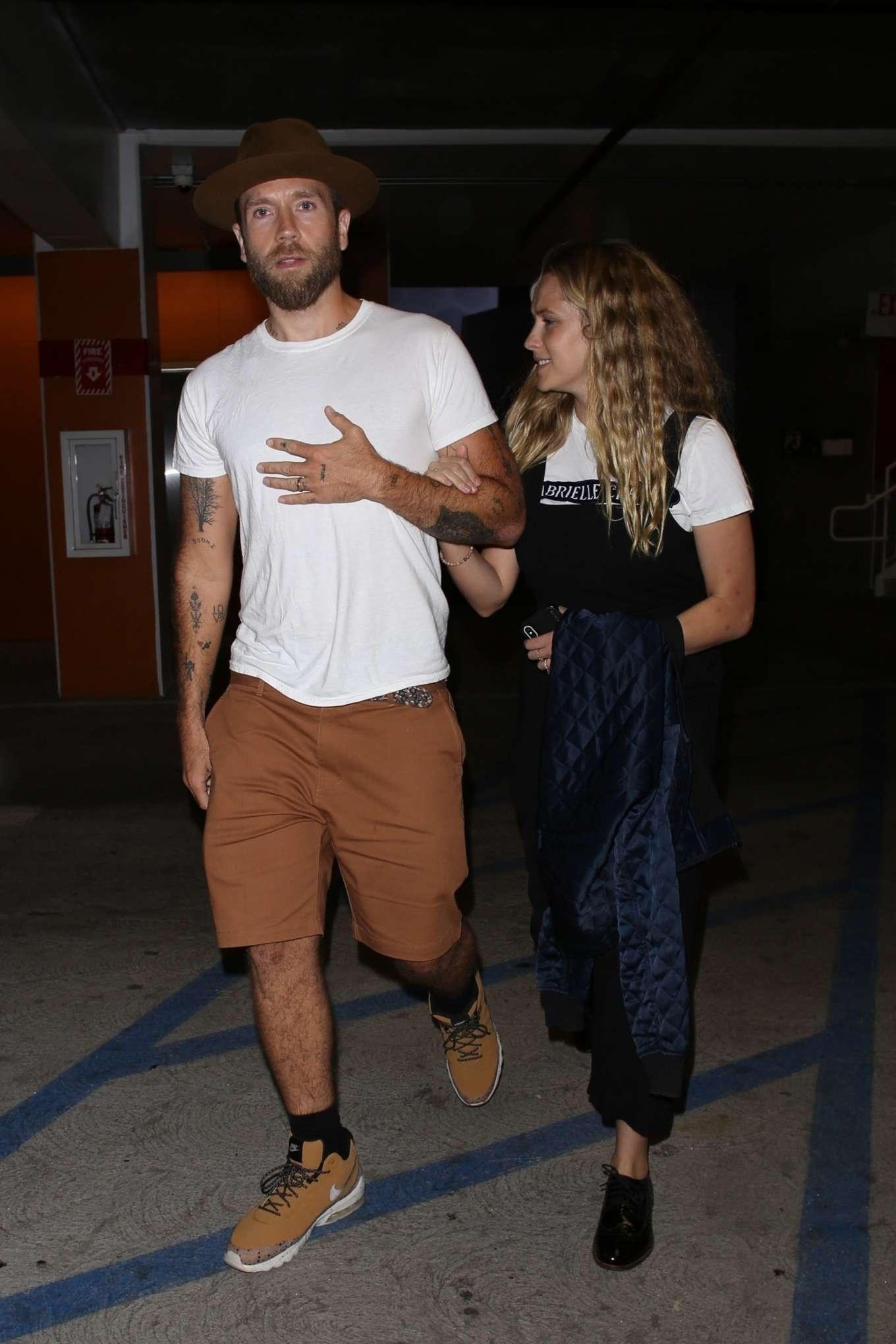 Teresa Palmer and her husband Mark Webber: On a movie date