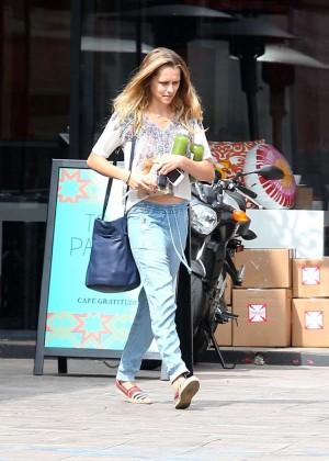 Teresa Palmer in Jeans -06