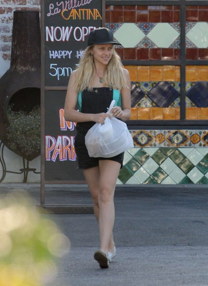 Teresa Palmer - Out in Los Angeles