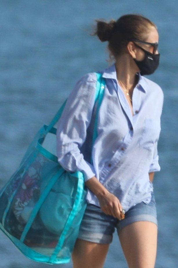 Teri Hatcher - Seen at beach in Malibu